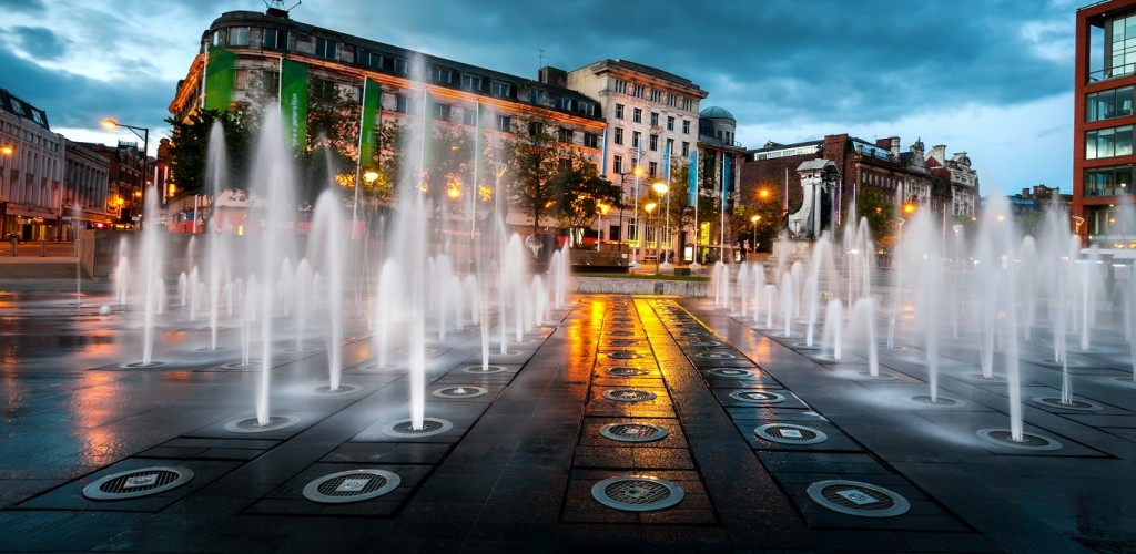 piccaddily square manchester