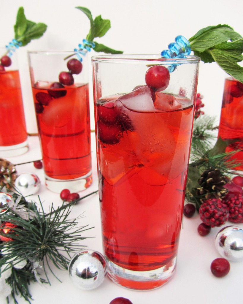 christmas berry and mint mocktail